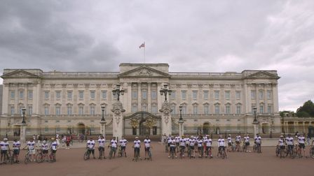 The entire Palaces on Wheels team outside Buckingham Palace - including VicChhabiran