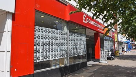'Store closing' signs have appeared at the Lowestoft branch of Poundstretcher on London Road North.