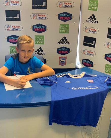 Levels youngster Ronnie Gunners has signed for Ipswich Town