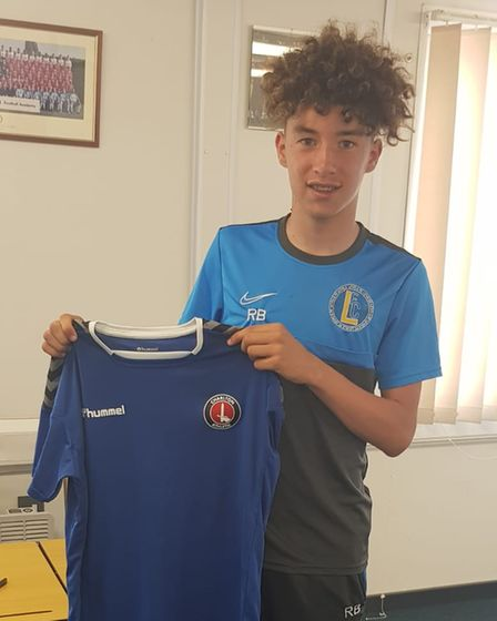 Levels youngster Reece Bellis has signed for Charlton Athletic