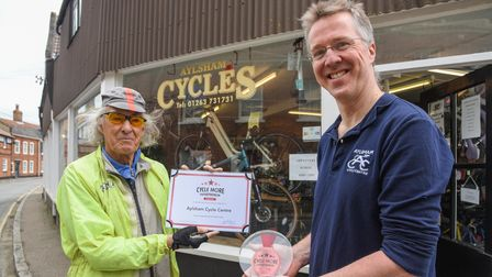 Local cycling designer Mike Burrows presenting the bronze Sudocrem Cycle More Entrepreneur Award to