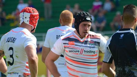 Ethan Waddleton playing for the England Sevens.