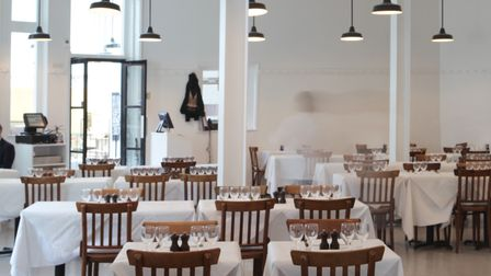 Whitewashed ex-smokehouse where Fergus Henderson pioneered the resurgent interest in offal dishes