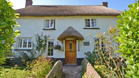 Thatched cottage in Otterton
