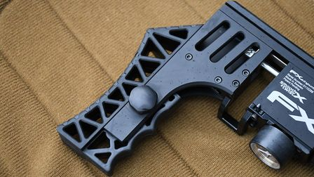 I really liked the internal grip grooves on the adjustable recoil pad