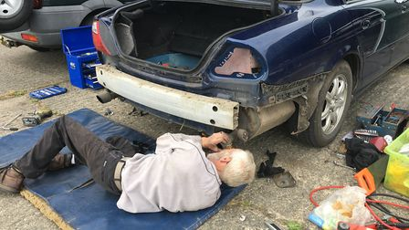 The one man prepared to do the job fits the elusive wiring and tow bar to Bob's twenty-year-old Jagu