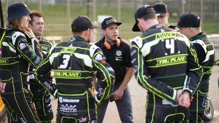 Team manager Ritchie Hawkins holds a team talk ahead of the clash against the Panthers.