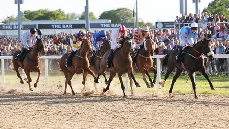 Horseracing in August and September at Chelmsford City Racecourse