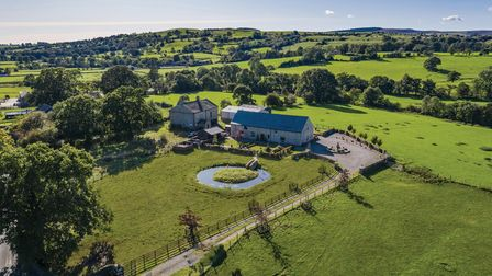 Chadwicks Barn is set in a quiet rural position with beautiful long-distance views to the open count