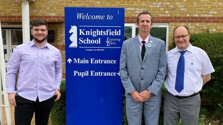 The Hertfordshire Bosnian Association had theopportunity to visitKnightsfield School to talk aboutSrebrenica.