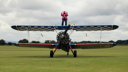 The wing walk saw Elana Overs flyat speeds of up to 140mph, 600 feet above the ground.