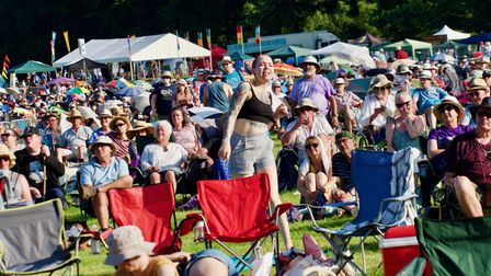 The crowd at Folk by the Oak 2021 atHatfield House.