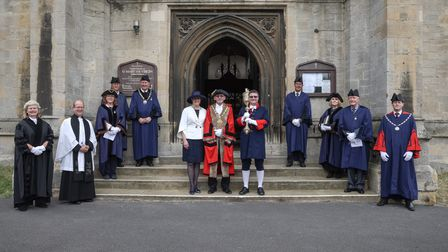 A large group of people outside St Mary's Church in Saffron Walden. In the centre: Mayor Richard Porch