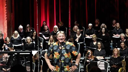 David Temple conducts the Crouch End Festival Chorus at Alexandra Palace