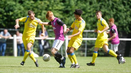 Harpenden V Hitchin - Laurie Marsh in action for Hitchin Town.Picture: Karyn Haddon