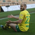 Teemu Pukki of Norwich appeals to Referee Tony Harrington during the Sky Bet Championship match at C