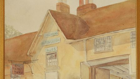 Nellie Harvey's painting of the Three Tuns in Tilehouse Street, Hitchin, which was painted in 1905