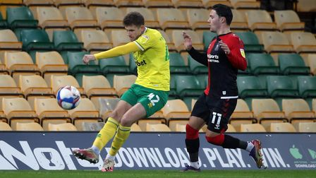 Reece McAlear of Norwich and Callum O'Hare of Coventry City in action during the Sky Bet Championshi
