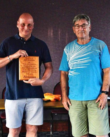 Jeff Spencer ofBrookmans Park (left)receives aspecial award from Les Crabtree