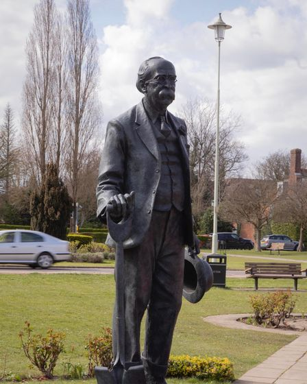 In 1919 Ebenezer Howard bought 590 hectares of countryside near Welwyn village in order to create We