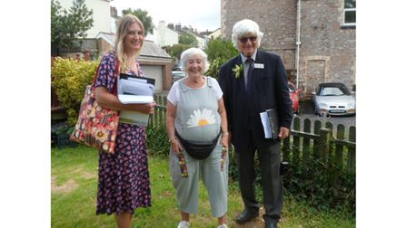 Resident with two In Bloom judges