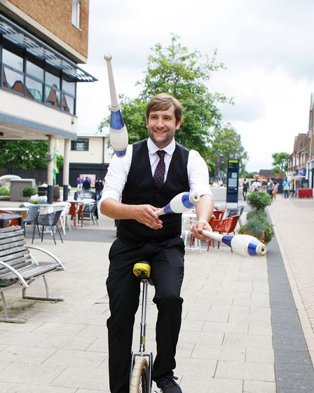 Circus Acts - Hatfield Town Centre