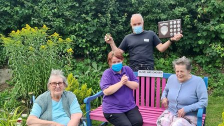 Mary (far left),Anne (far right) gardener and maintenance man Peter Birman and Clare with the Stansted in Bloom prize
