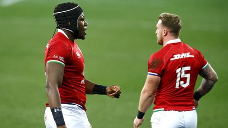 British & Irish Lions' Maro Itoje (left) and Stuart Hogg in discussion during the Castle Lager Lions