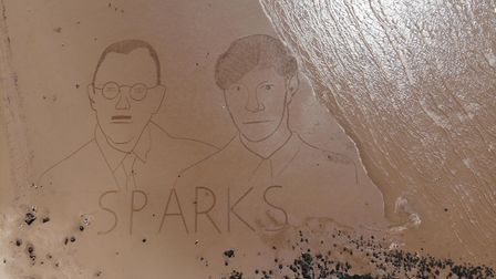 Simon Beck drew this picture ofRon and Russel Mael from the Sparks.
