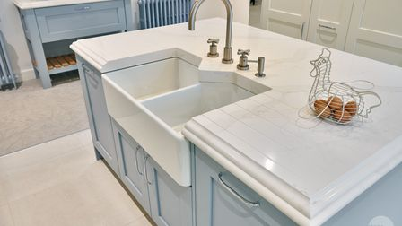 Stone kitchen island and countertop design advice from stoneCIRCLE in Basingstoke