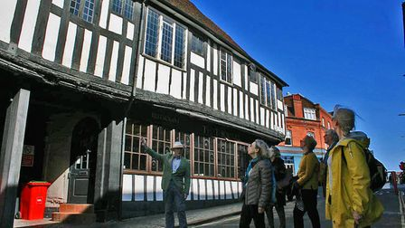 St Albans Tour Guides offer a look at the city's historic pubs.