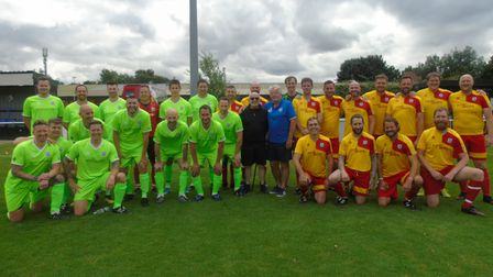 Ian Harrison's team are in yellow and Ray Thompson's team are in green