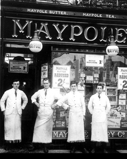 Maypole Grocery Co in Market Place, Hitchin, between 1920 and 1923