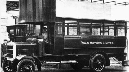 The Luton-Hitchin-Letchworth bus in 1917