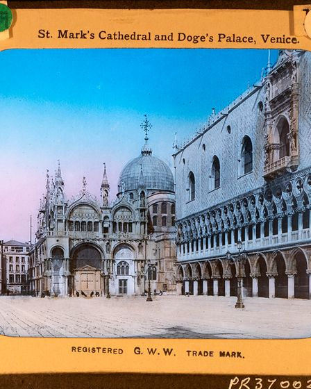 Commercial slide of St Mark's Cathedral and Doge's Palace in Venice(PR37002)