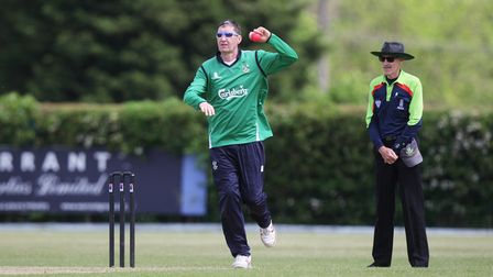 Simon Bridgewater took two wickets and scored 17 runs as Welwyn Garden City lost to Hertford.