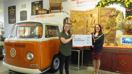 Karina Whelanwas awarded with the £100 prize by Councillor Julie Hunt