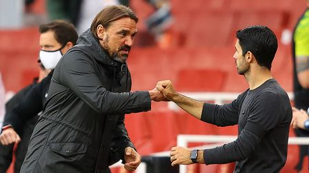 Norwich City manager Daniel Farke and Arsenal manager Mikel Arteta at the final whistle during the P