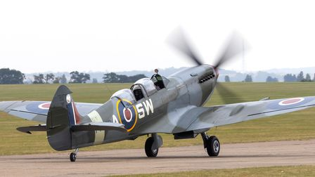 Spitfire T.IX PT462 at IWM Duxford'sFlying Days: The Fighters event.
