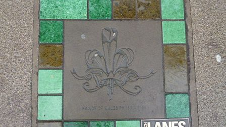 The misplaced Prince of Wales plaque in Norwich Lanes