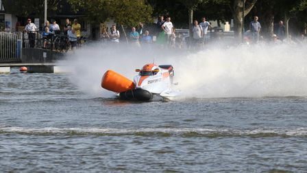 Powerboat Racing on Oulton Broad.