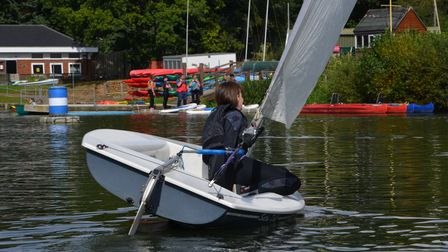 Annette Walter of Welwyn Garden City Sailing Club shows how it should be done.