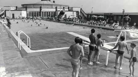 Youngsters line up to use the diving board at Gorleston Lido in 1984.