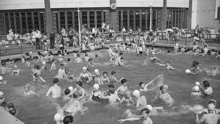 Pool reconstruction at Gorleston Lido took place in March 1960 which included new terraces and shops. Date:June 1960.