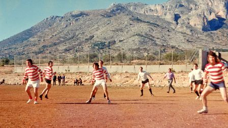A corner kick for Torbay Gents under the mountains