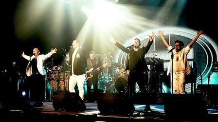 Everything Changes - The Ultimate Take That and Robbie Williams Revue
