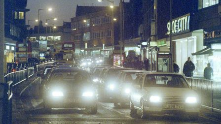 Traffic down St Stephen's Road on the 28th January 1997. From EN Library