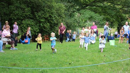 Children's duck and spoon race, A group