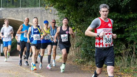 Glenn Cuzner (368) of Stevenage Striders on his way to 13th at the Stevenage 10k.