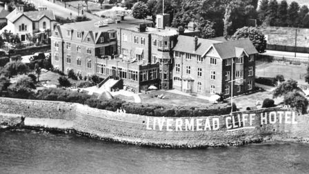 A postcard of the Livermead Cliff Hotel (PR24822.131)